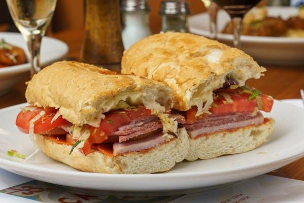 Italian Grinder Sandwich & Kettle Chips