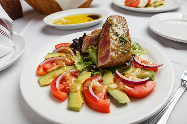 Seared Tuna & Avocado Salad