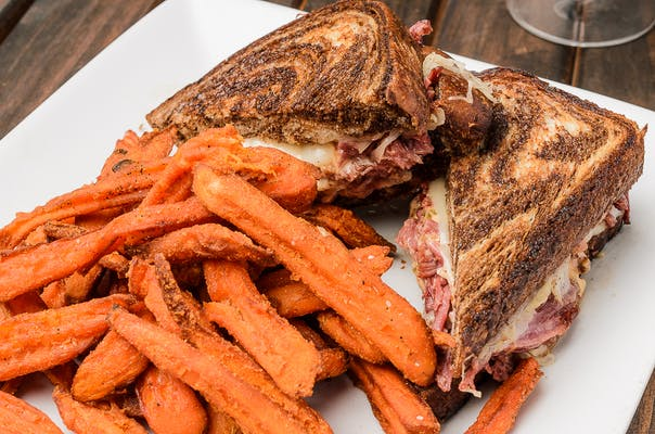 Corned Beef or Turkey Reuben Sandwich