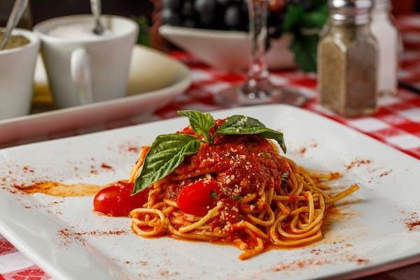 Lunch Spaghetti Pomodoro